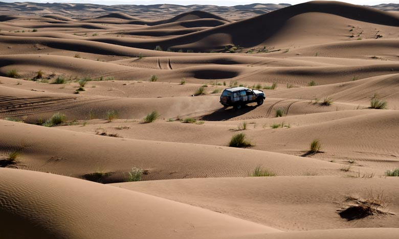 Le «Gazelles Morocco China» entend adapter le concept du célèbre rallye féminin marocain, sur les territoires de Chine, de mettre leurs compétences à l'essai dans le désert de Naiman. Ph :  AFP