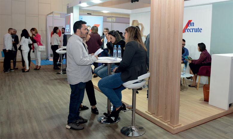 La Caravane «Emploi et métiers» vise à mettre en relation les recruteurs et les demandeurs d'emplois.   Ph. MAP
