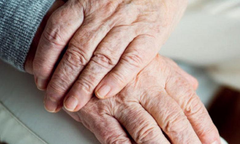 Au Maroc, les personnes âgées représentent près de 3 millions de personnes, dont près de 52% sont des femmes.