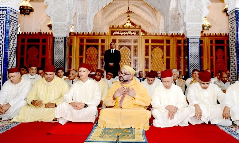 Sa Majesté le Roi Mohammed VI, Amir Al Mouminine, accomplit la prière du vendredi à la mosquée Hassan à Rabat