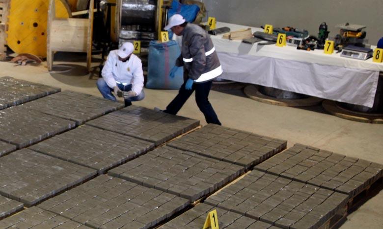 Les agents de la sûreté nationale sont parvenus à intercepter 2,2 tonnes de chira destinées au TIR. Ph : DR