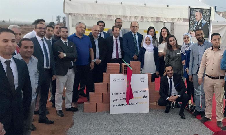 La cérémonie de pose de la première pierre du nouveau site s'est déroulée en présence de Laurent Diot et Rachid Laraki, respectivement DG et directeur réseau de Renault Commerce Maroc, ainsi que des représentants de la nouvelle concession.