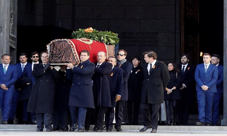 Espagne: exhumation des restes de l'ex-général Francisco Franco