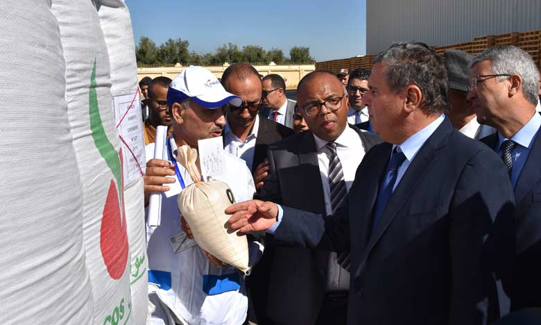 Avant d'évoquer la campagne, dont le lancement officiel a été donné hier, Aziz Akhannouch a rappelé le caractère irrégulier des précipitations de l'année dernière. Phs. Sradni.