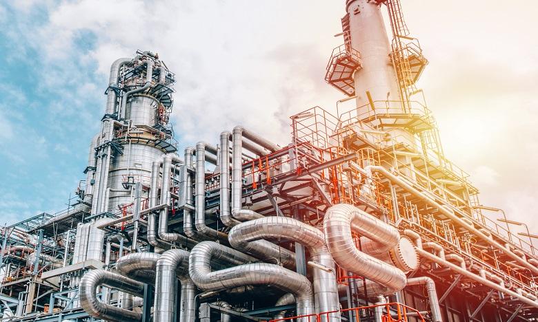 Signature à Sotchi d'un accord pour la construction d'un complexe pétrochimique au Maroc