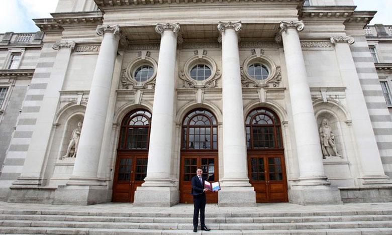 L'Irlande prévoit 1,2 milliard d'euros pour atténuer le choc