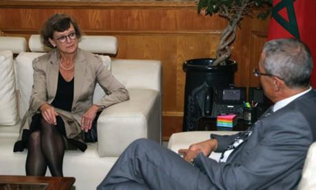 Examen des moyens  de renforcer la coopération bilatérale dans le domaine  de la justice