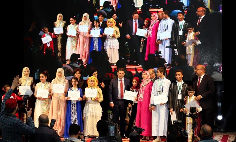 La jeune élève Fatimazahra Adiar, représentant la ville de Tétouan, a été désignée pour représenter le Maroc à la prochaine édition du «Défi de la lecture arabe». Ph : MAP