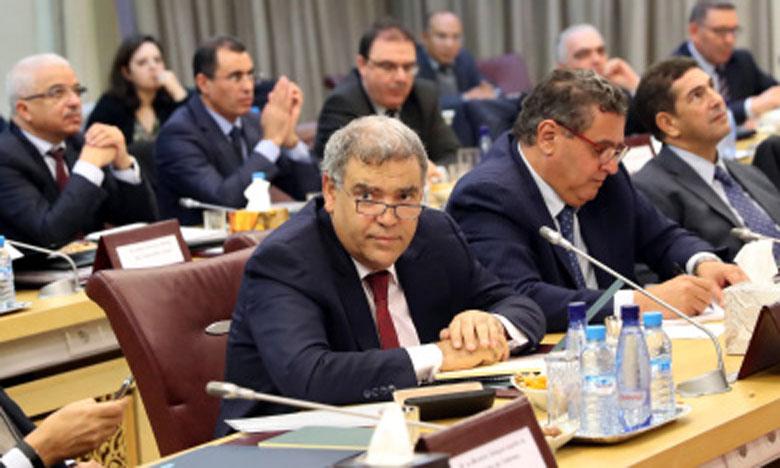 Le ministre de l'Intérieur préside à Rabat une réunion consacrée au suivi de l'état d'avancement des projets programmés