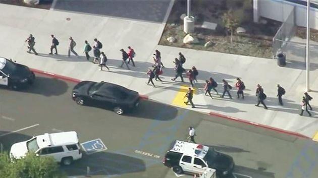 Fusillade dans un lycée près de Los Angeles: le suspect interpellé