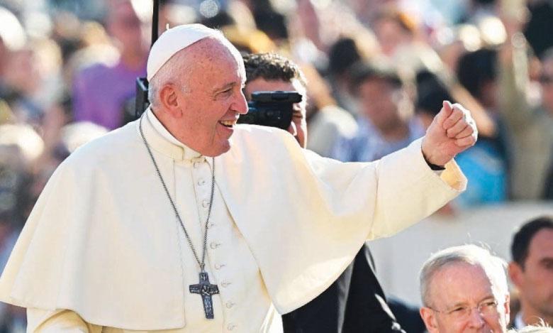 Le pape au Japon, en farouche opposant aux armes atomiques