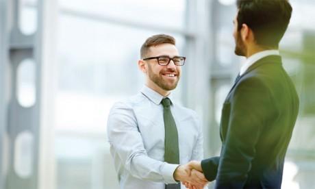 Le contrat psychologique peut évoluer en fonction des changements organisationnels et des attentes qui peuvent elles-mêmes varier. Ph : shutterstock