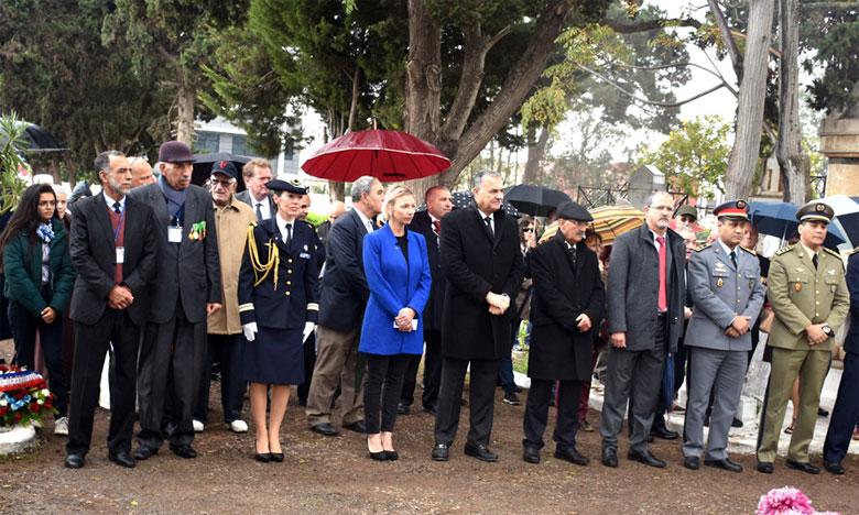 Il a été procédé, au carré militaire dans l'enceinte du cimetière où reposent les soldats marocains morts pour la France, à la lecture de «La Fatiha» et à l'observation d'une minute de silence.