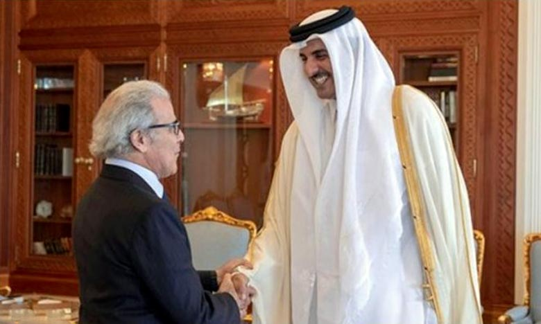 L'émir de Qatar reçoit le Wali Bank Al-Maghrib