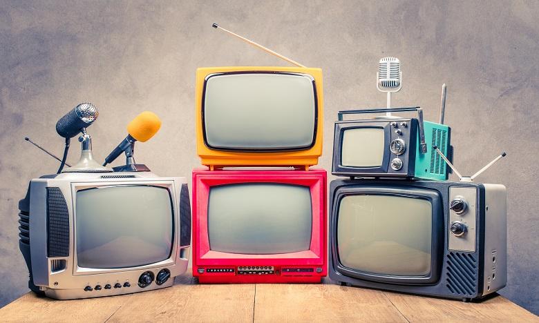 La télévision a survolé plusieurs époques : du noir et blanc aux couleurs et de la télévision privée à l'intelligente ou encore la télévision à travers internet. Ph. Shutterstock