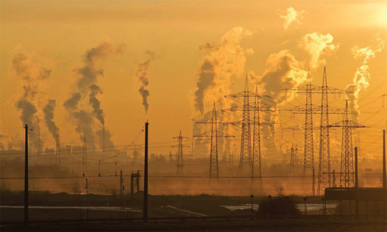 Le monde consommera, en 2030, 50% de trop d'énergies fossiles, un niveau incompatible avec la limitation du réchauffement planétaire à 2 °C. Ce niveau de consommation est 120% de trop pour le limiter à 1,5 °C. Ph. DR.