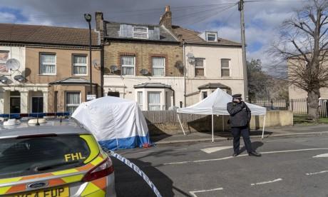 """Attaque """"terroriste"""" au couteau à Londres: des blessés graves, l'assaillant abattu"""