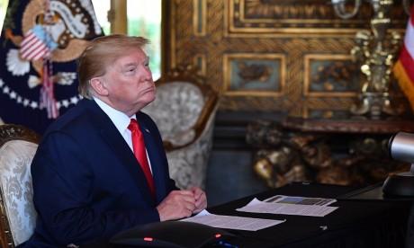 """Trump espère un """"beau vase"""" au lieu d'un missile nord-coréen pour Noël"""