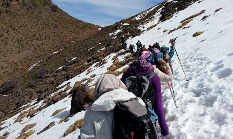 Les autorités locales de la province d'Al-Hoceima sont parvenues à secourir deux alpinistes après avoir perdu le chemin de retour en descendant du mont «Tidirhine» dans la commune d'Issaken. Ph : DR