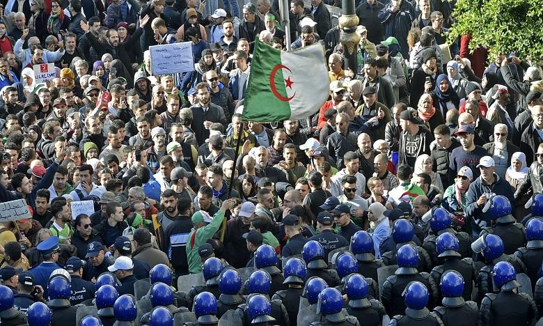 """Le """"Hirak"""" exige le démantèlement total du """"système"""" politique en place depuis l'indépendance en 1962. Ph. AFP"""
