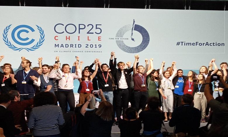 COP25: Un groupe d'adolescents prend d'assaut la salle des négociations officielles