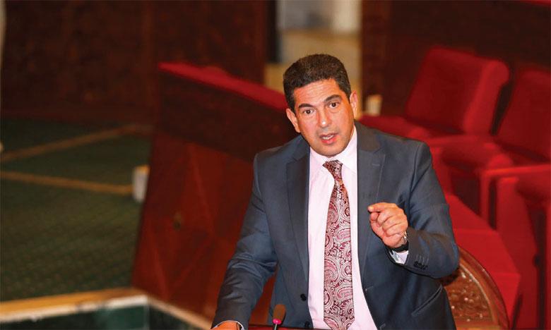 Le ministre de l'Éducation nationale, de la formation professionnelle, de l'enseignement supérieur et de la recherche scientifique, Saaïd Amzazi, répond à une question orale sur les prestations sociales au profit des étudiants, présentée par le groupe de la CDT à la Chambre des conseillers.