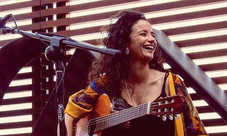 Sonia Noor chante «Poco a Poco»