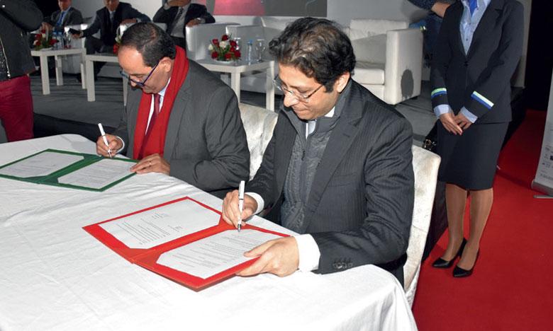 La cérémonie d'ouverture a été marquée par la signature d'une convention de partenariat entre l'AFZIA  et l'Université Ibn Tofaïl.