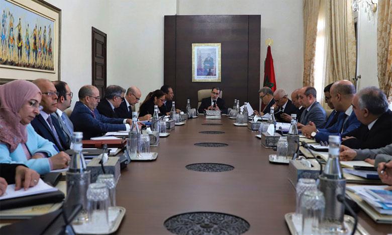 Le Chef du gouvernement préside une réunion de la Commission ministérielle sur l'eau consacrée à l'examen et à l'optimisation du Plan national de l'eau 2020-2050