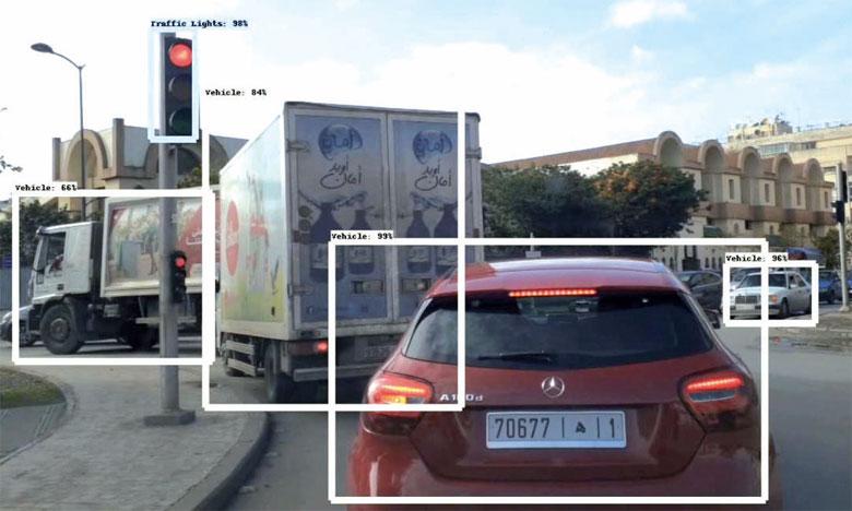 Sécurité routière : Deux jeunes créent un système révolutionnaire d'assistance à la conduite