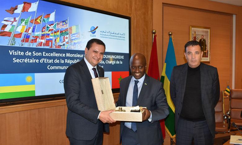 «Nous avons besoins de relations de partenariats avec des pays comme le Maroc dont le modèle de développement est dynamique», a déclaré le  ministre des Affaires étrangères rwandais,  Olivier J.P. Nduhungirehe. Ph. SRADNI