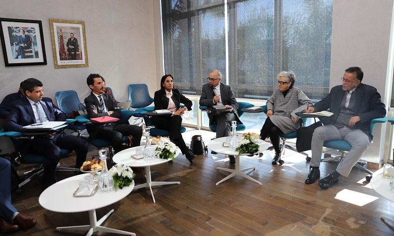 Modèle de développement: La Commission spéciale à l'écoute du CNDH
