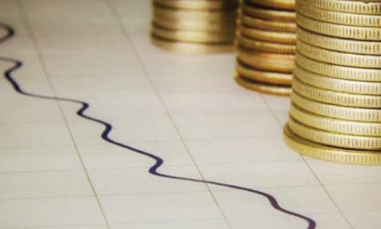 La dette extérieure baisse,  mais reste lourde