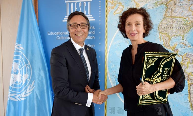 L'ambassadeur-représentant permanent du Maroc auprès de l'Unesco remet ses lettres de créance à Mme Audrey Azoulay. Ph : MAP