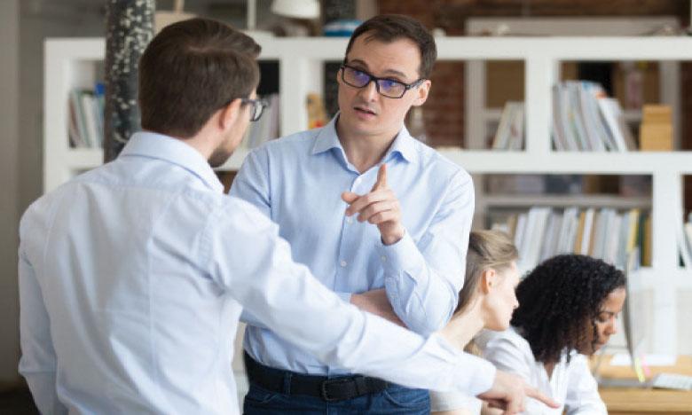 La gestion de «Monsieur je-sais-tout» est un exercice compliqué pour un manager, car il requiert un minimum de recul, de la patience et surtout de la diplomatie. Ph. Shutterstock