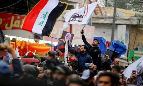 En Irak, nouveau raid contre des pro-Iran, foule aux funérailles de Soleimani