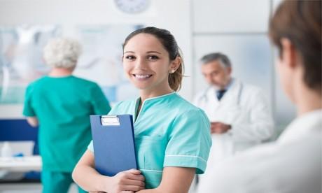 OMS : 2020, année internationale des sages-femmes et du personnel infirmier