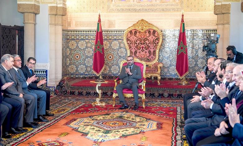 S.M. le Roi préside à Rabat la cérémonie de présentation du programme intégré d'appui et de financement des entreprises et de signature des conventions y afférentes