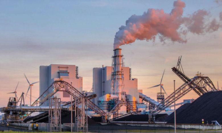 Greenpeace estime que les banques  n'excluent pas les énergies fossiles  de leurs financements