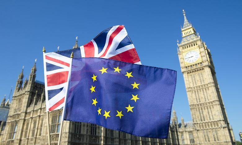 La reine promulgue le Brexit à huit jours du grand départ