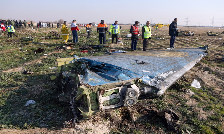 Le vol PS752 de la compagnie Ukraine Airlines International s'est écrasé tôt mercredi à l'ouest de Téhéran, très vite après son décollage. Ph. AFP