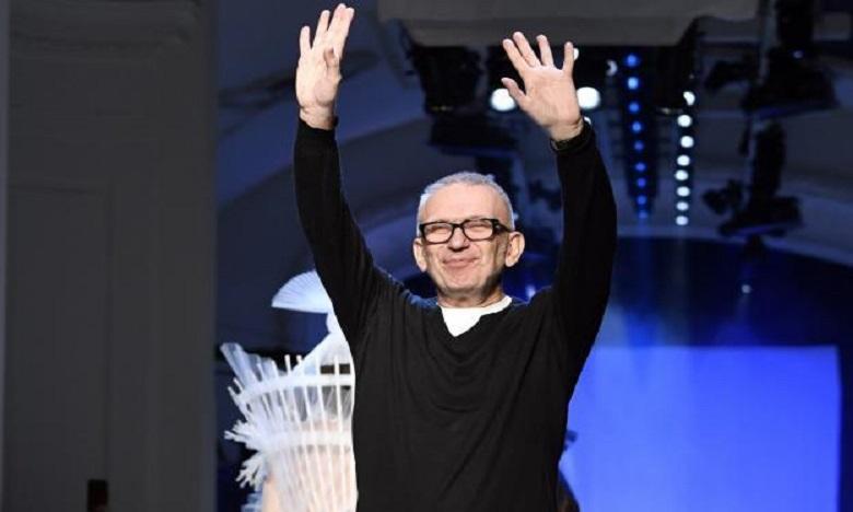 """Jean Paul Gaultier quitte les podiums, mais promet un """"nouveau projet"""" dont il est l'""""instigateur""""."""