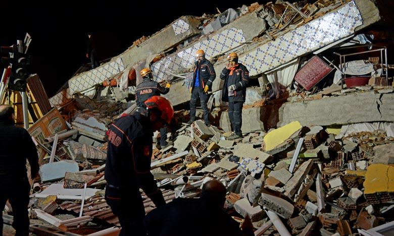 Turquie : au moins 20 morts dans un puissant séisme