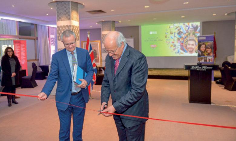 L'inauguration du sixième Salon des études supérieures au Royaume-Uni a été présidé par Driss Ouaouicha, ministre délégué chargé de l'Enseignement supérieur et de la recherche scientifique, et Tony Reilly, directeur du British Council au Maroc.
