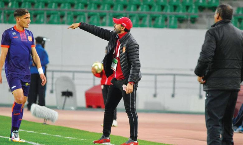 Mustapha Oucherif promu entraîneur principal jusqu'à la fin de la saison