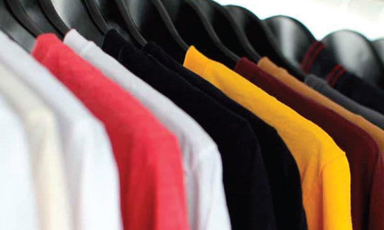 Une valeur estimée à 500 milliards de dollars est perdue chaque année en raison de vêtements à peine usés et  rarement recyclés. Ph. DR