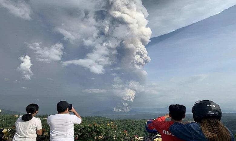 Le réveil du volcan Taal met les Philippins en état d'alerte