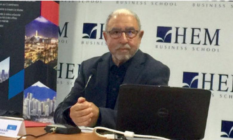 Université citoyenne de la Fondation HEM : La presse et le système politique au Maroc en débats