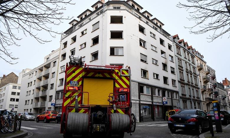 Les flammes se sont attaquées à un bâtiment de sept étages du quartier de la gare. Une enquête a été ouverte. Ph : AFP
