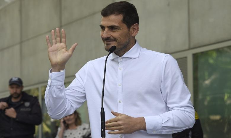 Foot: Casillas prend sa retraite sportive